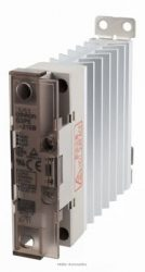 OMRON G3PE-215B-DC12-24 nullátmenetes 100-240VAC/15A/3kW-os szilárdtestrelé DC12-24V vezérléssel, hűtőbordával, DIN-sinre